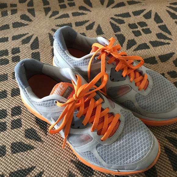 Nike Other - Nike tennis shoes